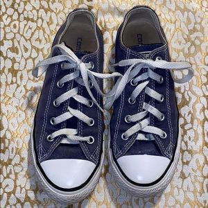 Converse gray us 2 girls